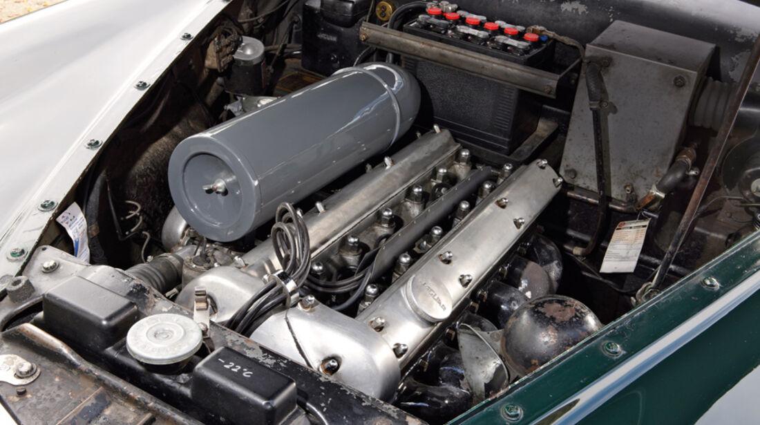 Jaguar Mark VII, Motor