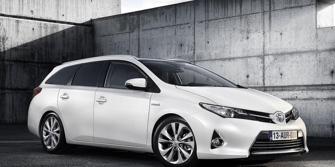 02/2013, Toyota Auris Touring Sports