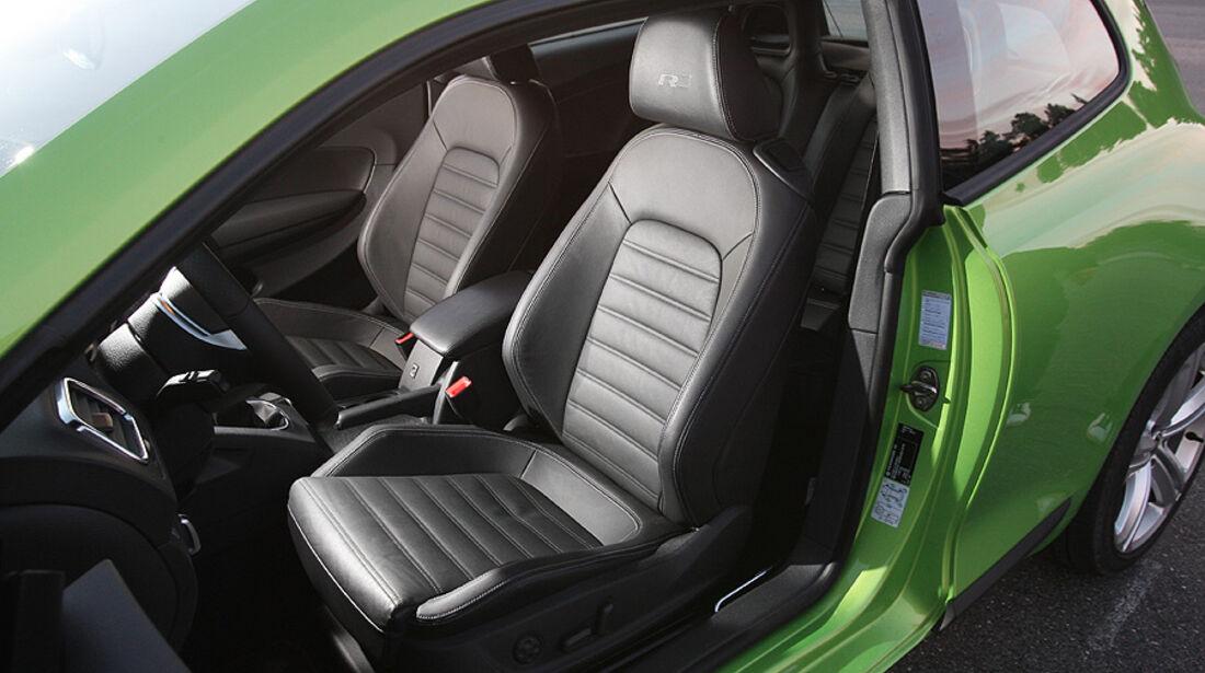 03/11 aumospo06/2011  VW Scirocco 2.0 TSI, Sitze