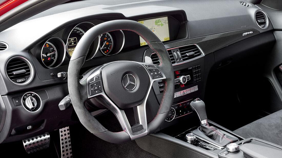07/2011, Mercedes C-Klasse Coupé C 63 AMG Black Series, Innenraum