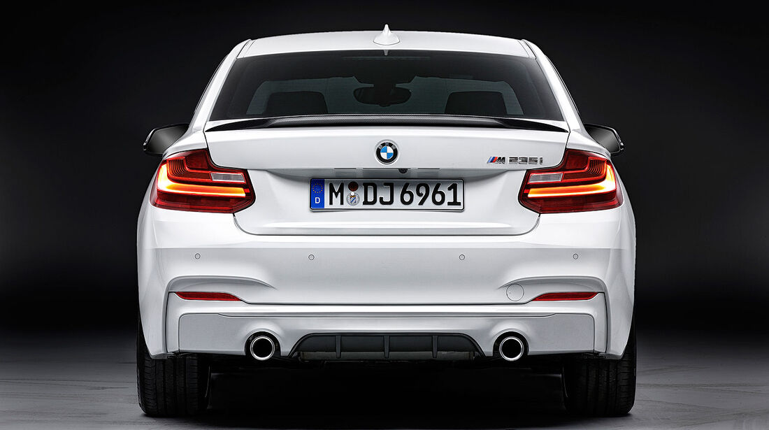 11/2013 BMW 2er M Performance Bauteile