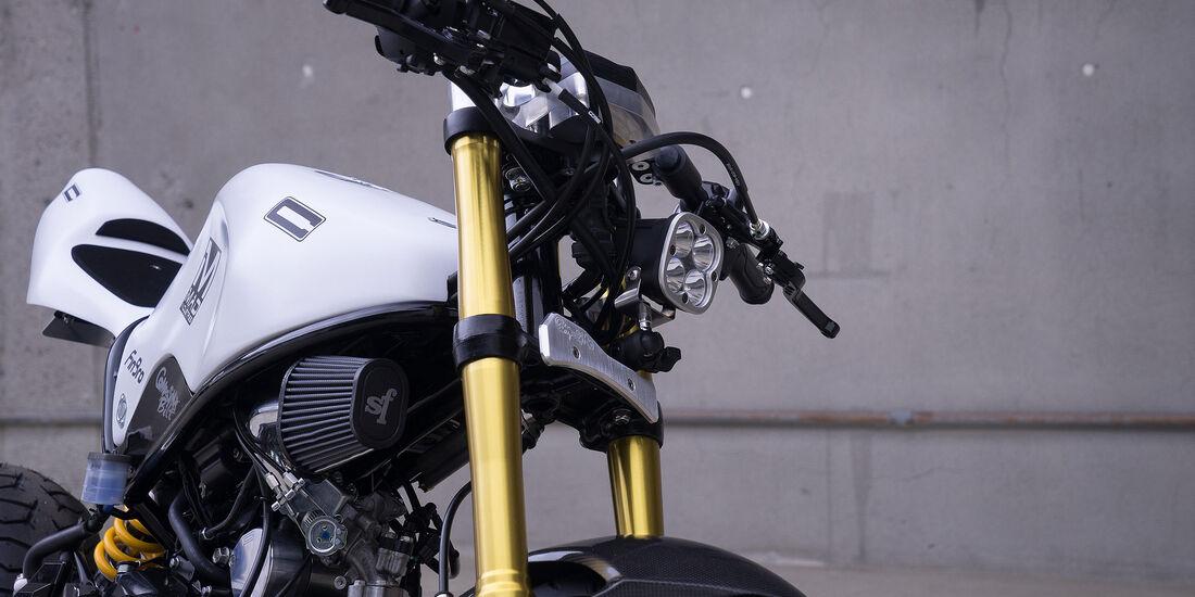 11/2015 Honda auf der Sema 2015 Honda MAD HR-V + Bike