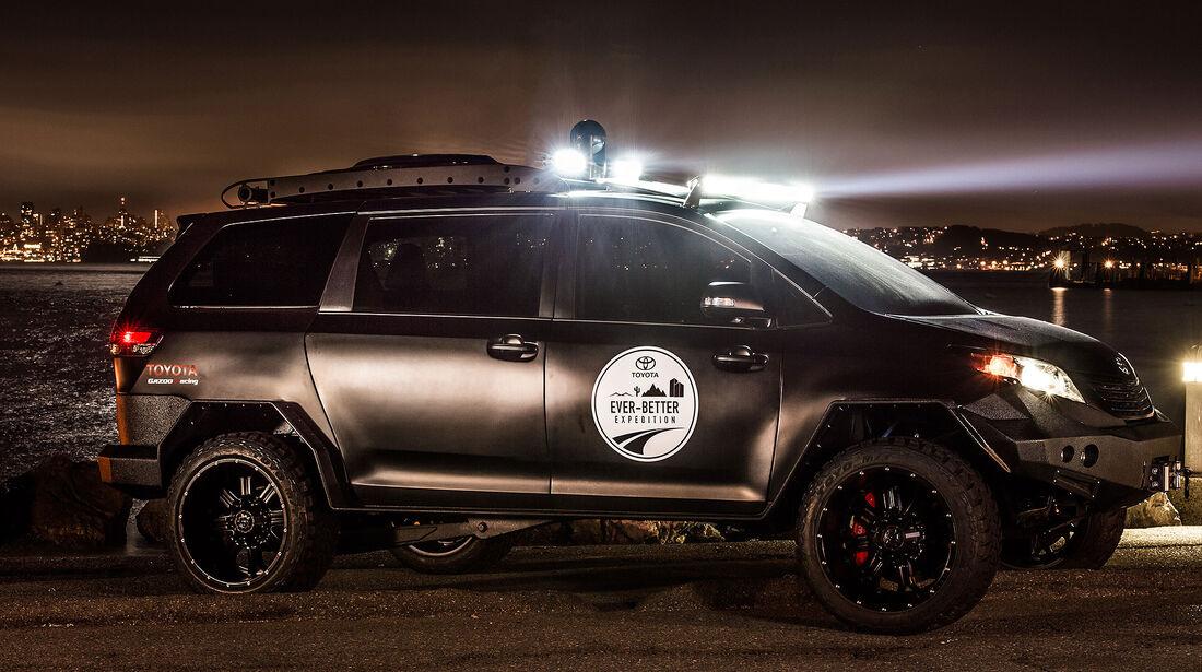 11/2015 Toyota auf der Sema 2015 Toyota TRD UUV