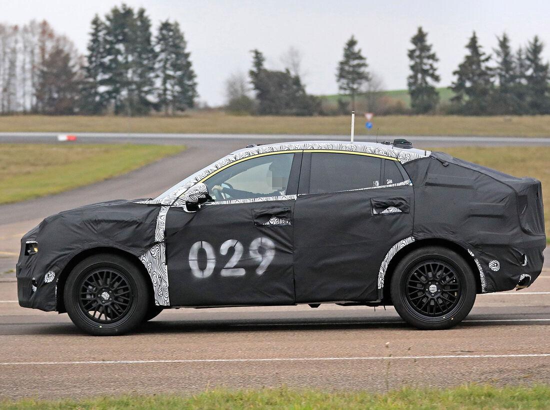 volvo v40 ab 2021 nachfolger wird zum suvcoupé  auto