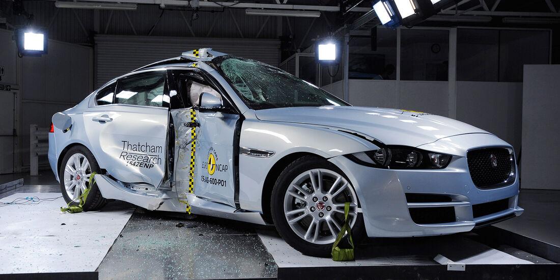 12/2015 EuroNCAP Crashtest Jaguar XE