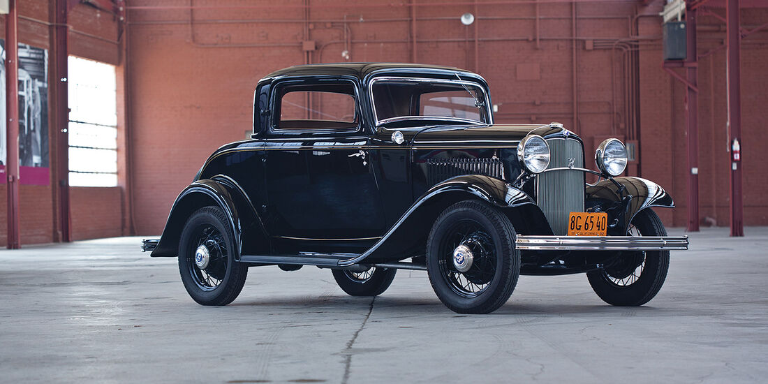 1932er Ford V-8 DeLuxe Three-Window Coupe