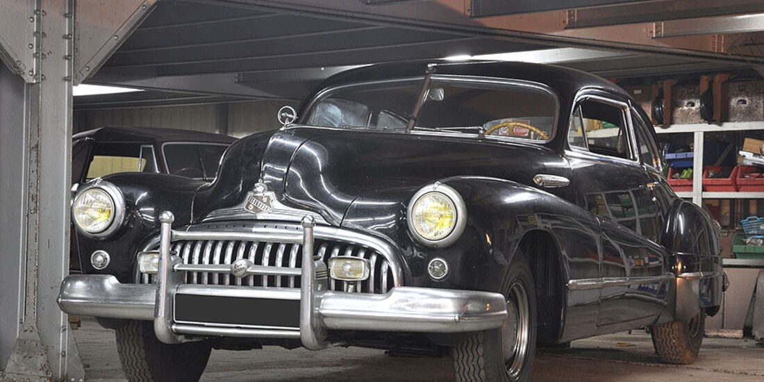 1947 Buick Eight Roadmaster Coach Fastback