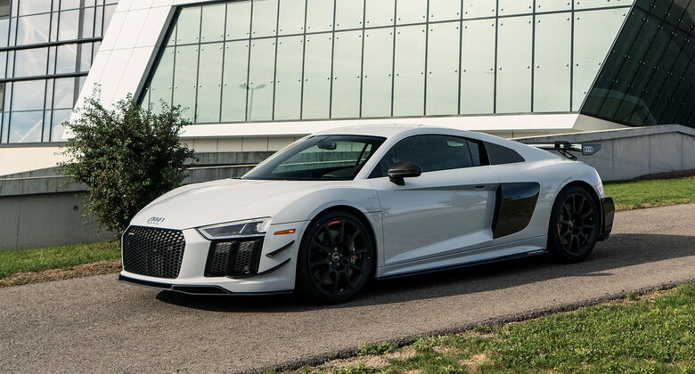 AUDI R8 V10 PLUS COUPE COMPETITION PACKAGE