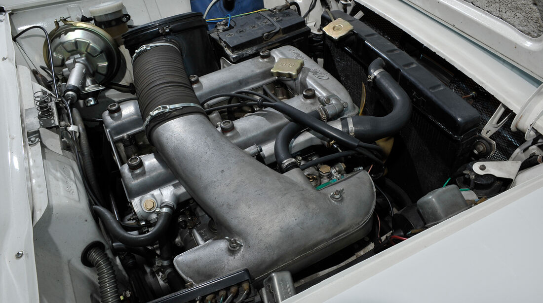 Alfa Romeo Giulia Sprint GT, Motor