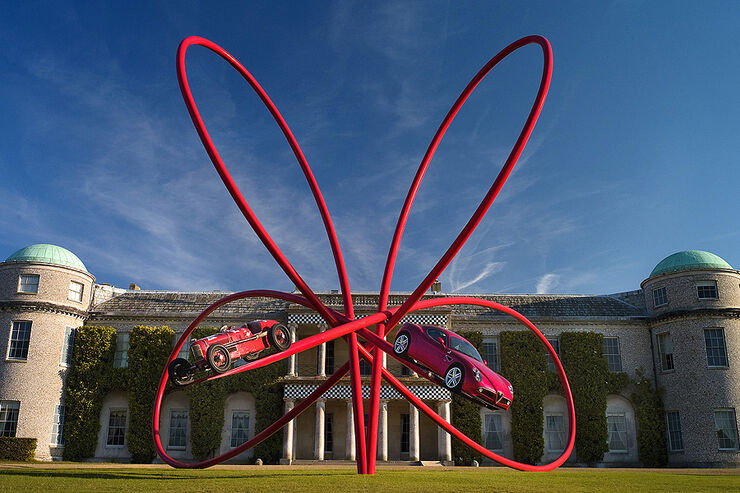 Alfa Romeo Kunstwerk von Gerry Judah in Goodwood