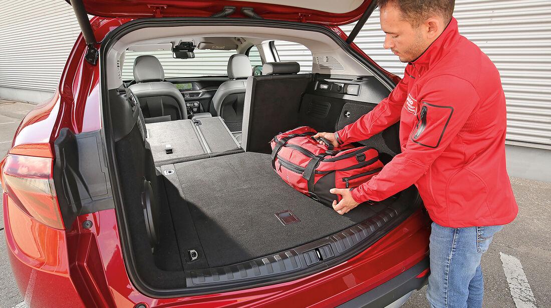 Alfa Romeo Stelvio 2.0 Turbo Q4 Kofferraum
