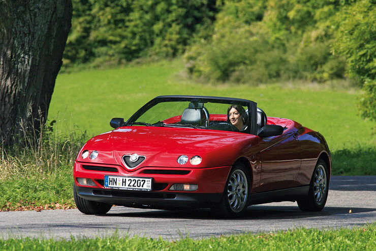 alfa romeo spider 916 5 generation im fahrbericht. Black Bedroom Furniture Sets. Home Design Ideas
