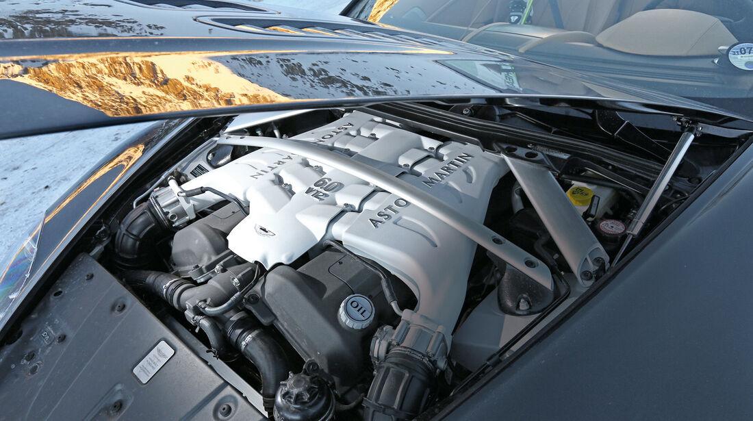 Aston Martin V12 Vantage Roadster, Motor