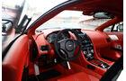 Aston Martin V12 Vantage S, Cockpit