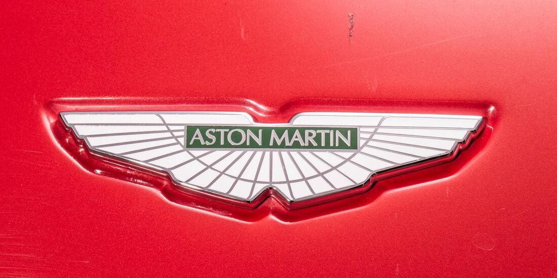 Aston Martin V8 Vantage, Emblem