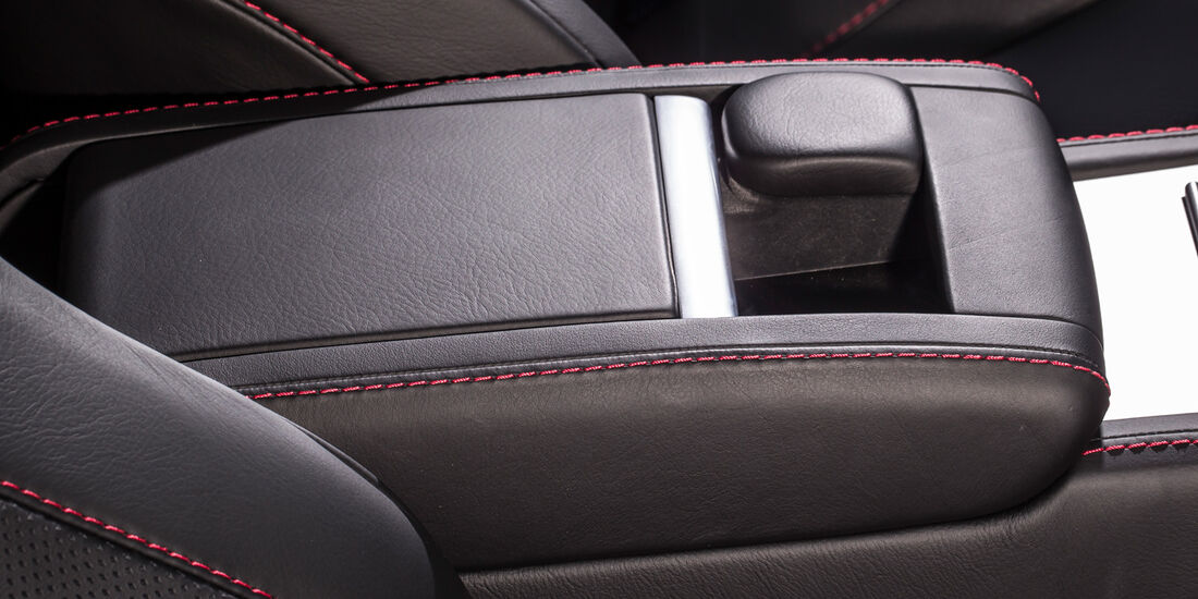 Aston Martin V8 Vantage, Mittelfach