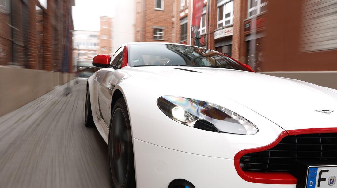 Aston Martin V8 Vantage N430, Motorhaube
