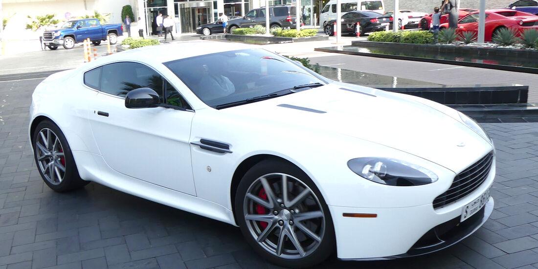 Aston Martin Vantage - Carspotting - GP Abu Dhabi 2016