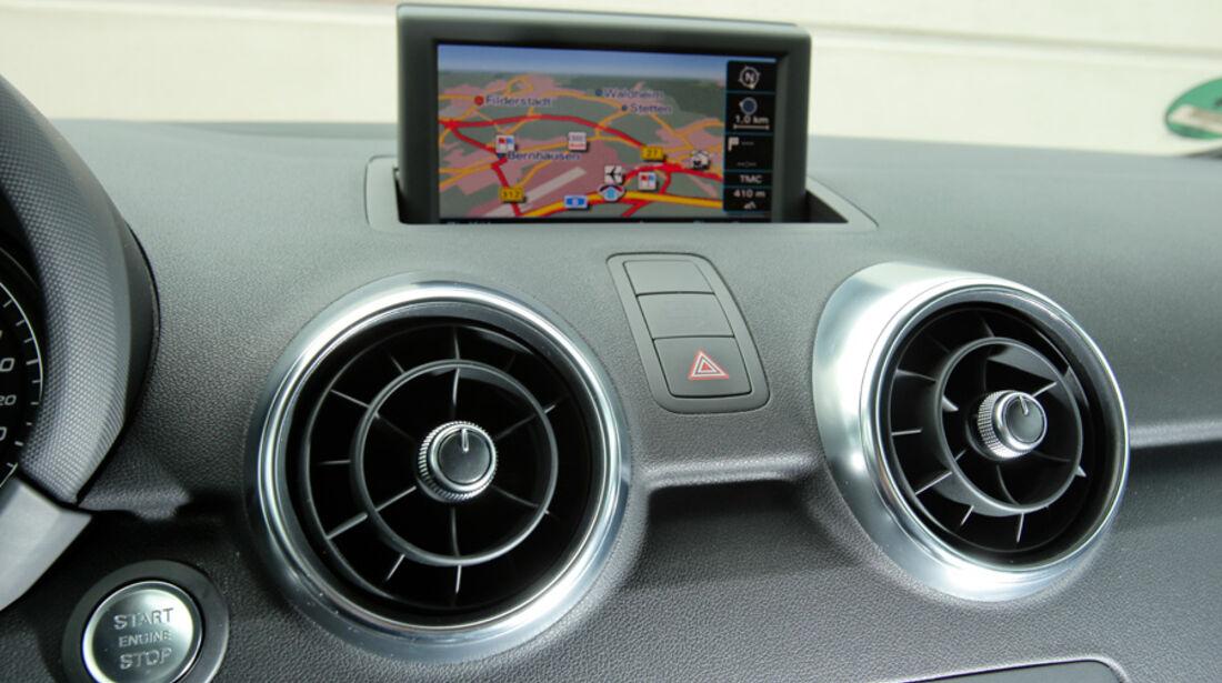 Audi A1 1.4 TFSI, Armaturenbrett, Navi