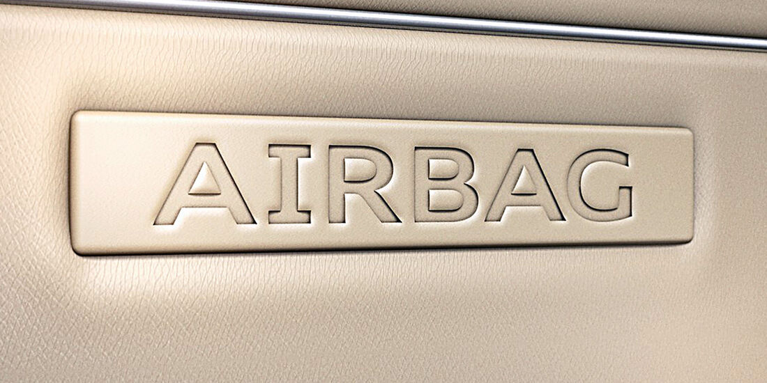 Audi A4, Airbag