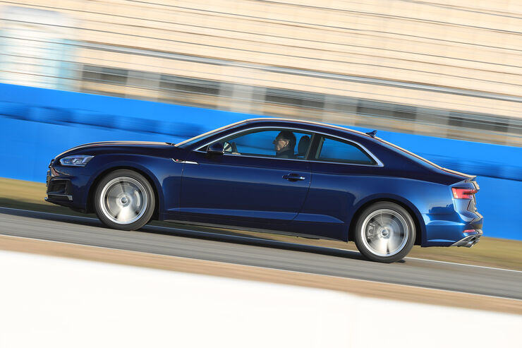 Audi A5 Coupé 2.0 TFSI Quattro, Seitenansicht