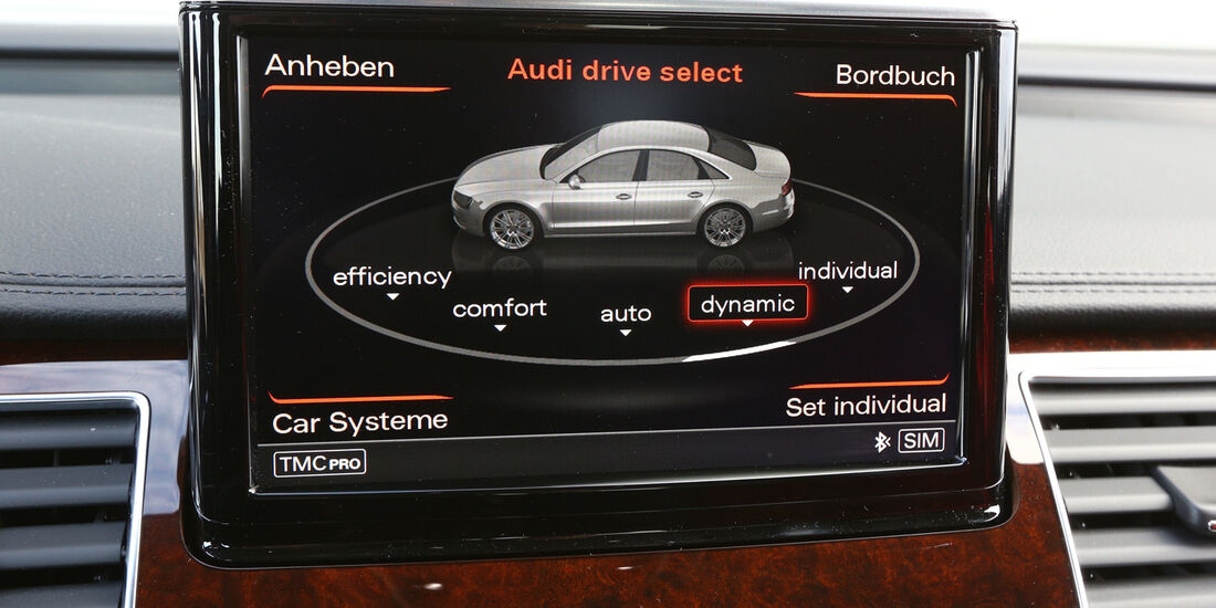 Audi A8 4.0 TFSI quattro, Display, Bordcomputer
