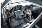 Audi A8 4.2 Quattro (D2), Cockpit