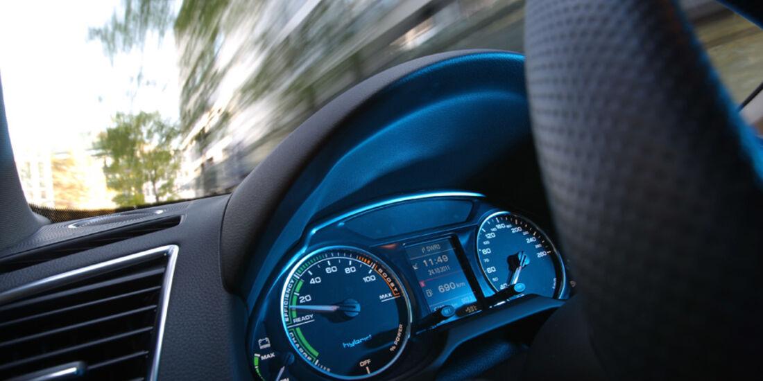 Audi Q5 Hybrid Quattro, Instrumente