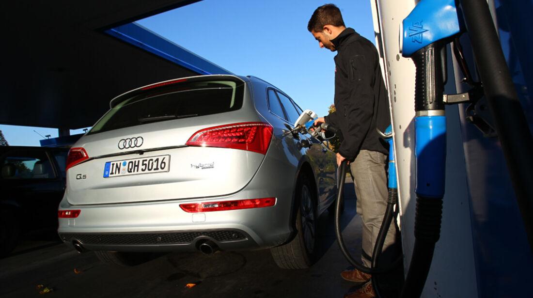 Audi Q5 Hybrid Quattro, Tanken