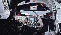 Audi R18 e-tron quattro, Cockpit