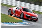 Audi R8 5.2 FSI, Frontansicht, Kurvenfahrt