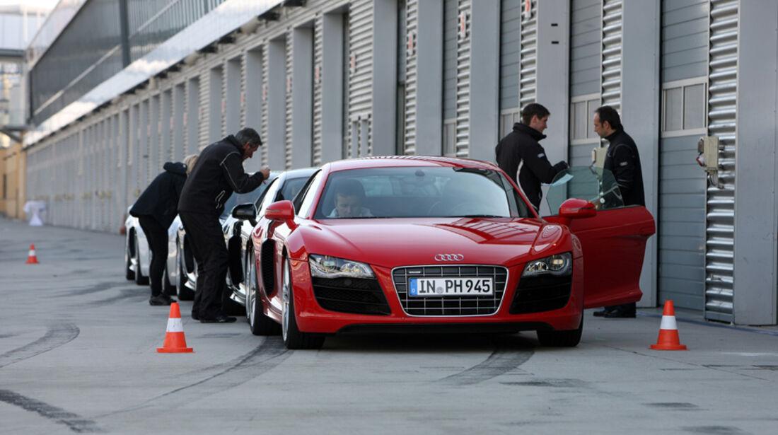 Audi R8, Boxengasse