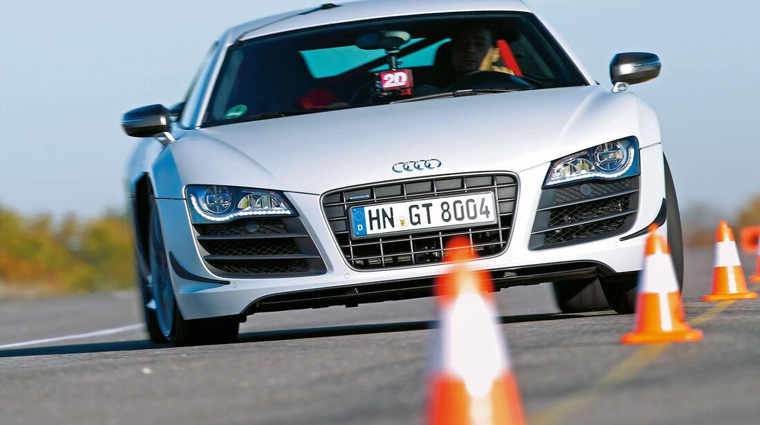 Audi R8 GT, Frontansicht, Slalom