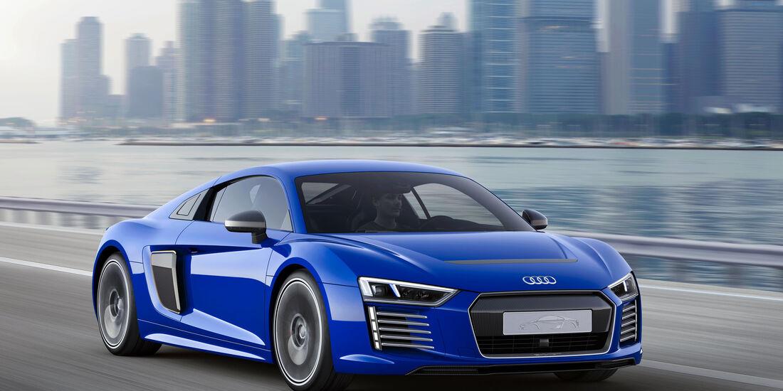 Audi R8 e-tron piloted driving - CES Asia 2015