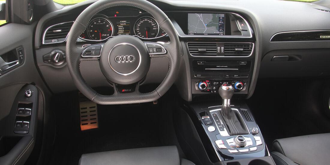 Audi RS4 Avant, Cockpit, Lenkrad