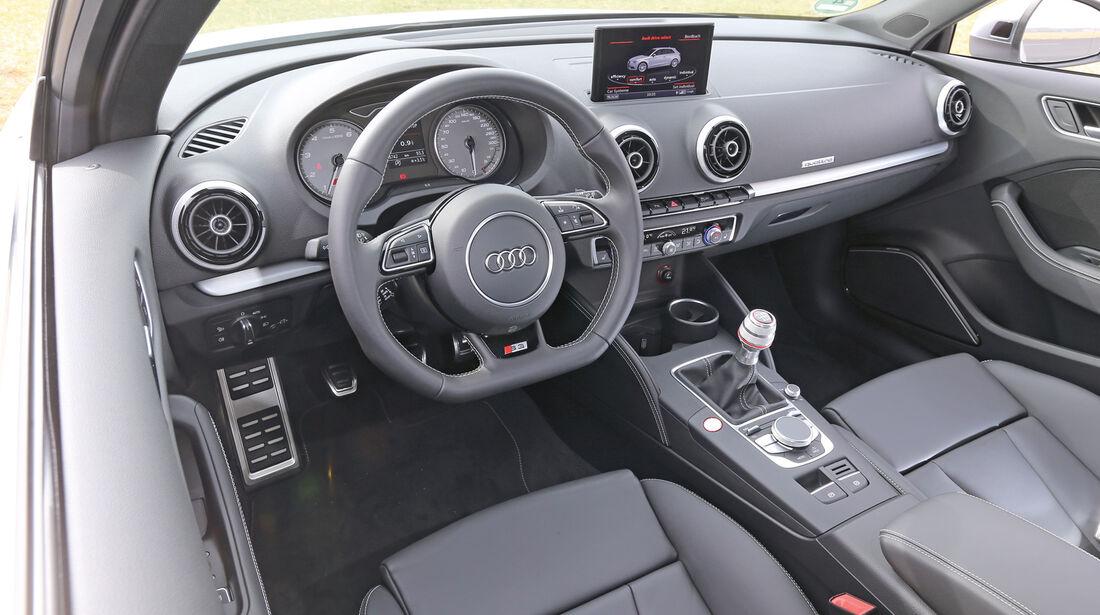 Audi S3 2.0 TFSI, Cockpit, Lenkrad
