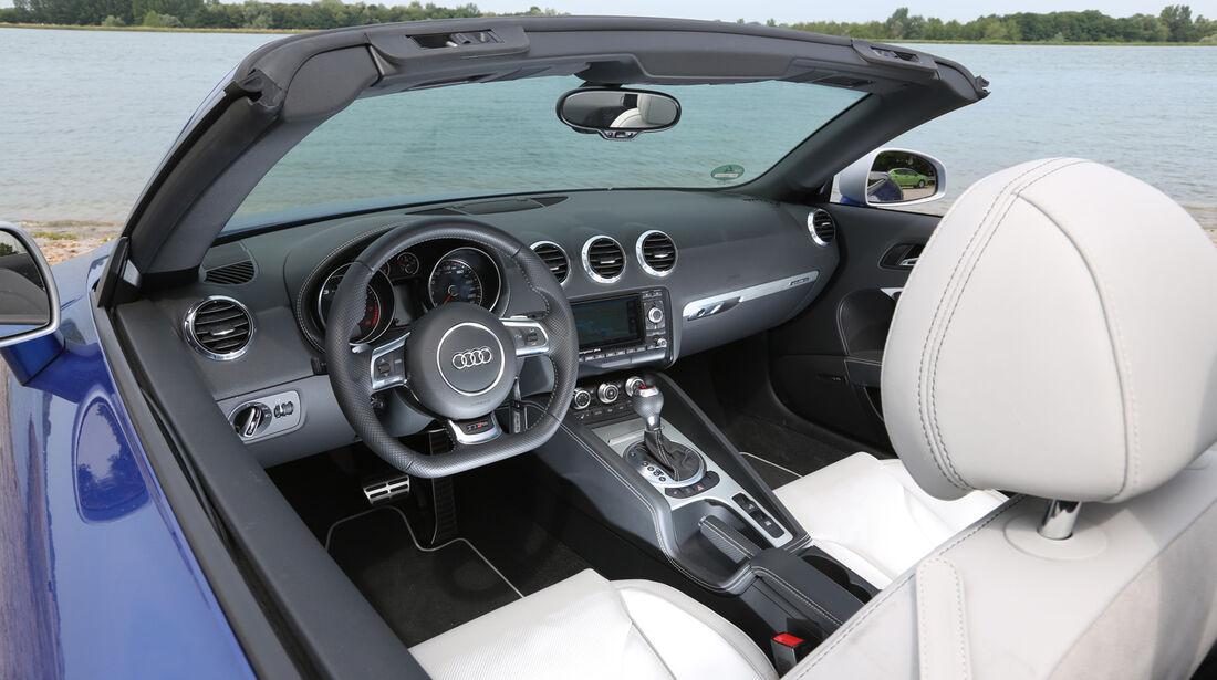 Audi TT RS, Cockpit
