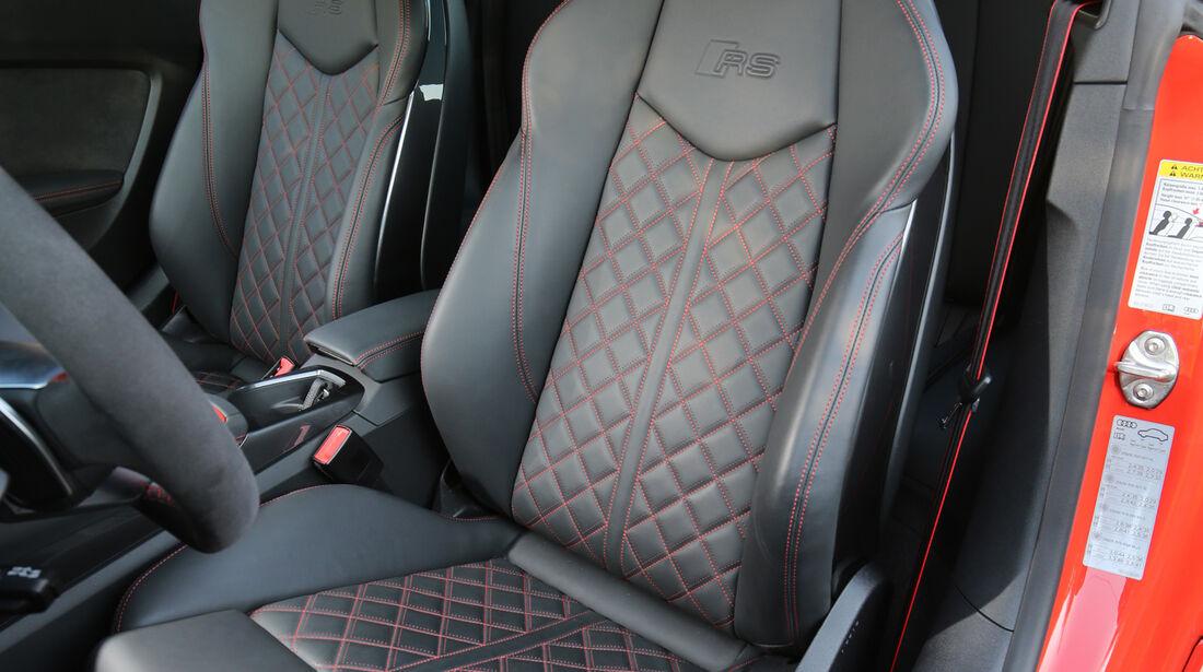Audi TT RS Coupé, Fahrersitz