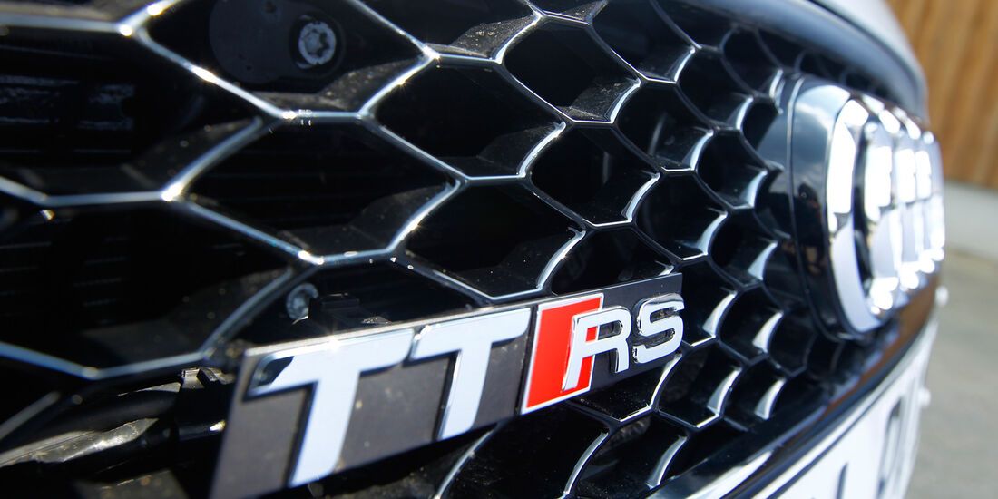 Audi TT RS, Typenbezeichnung, Kühlergrill