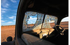 Autowracks in Namibia, Fensterscheibe, Impression