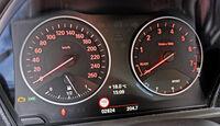 BMW 114i, Tacho, Rundinstrumente