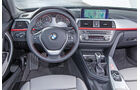 BMW 318d Touring, Cockpit, Lenkrad