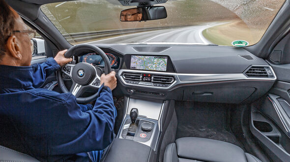 BMW 320d M SPORT, Interieur