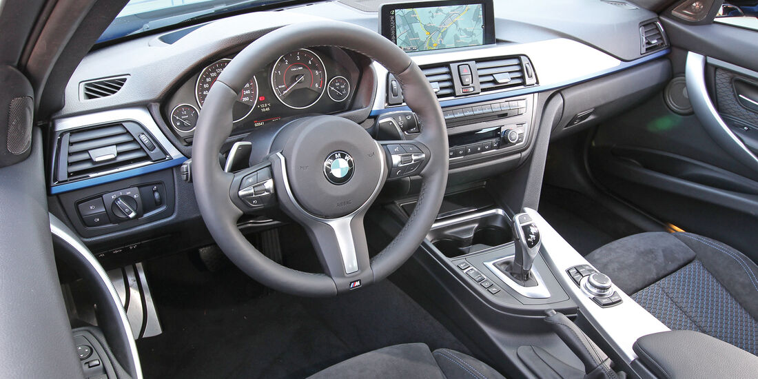 BMW 330d Touring, Cockpit, Lenkrad