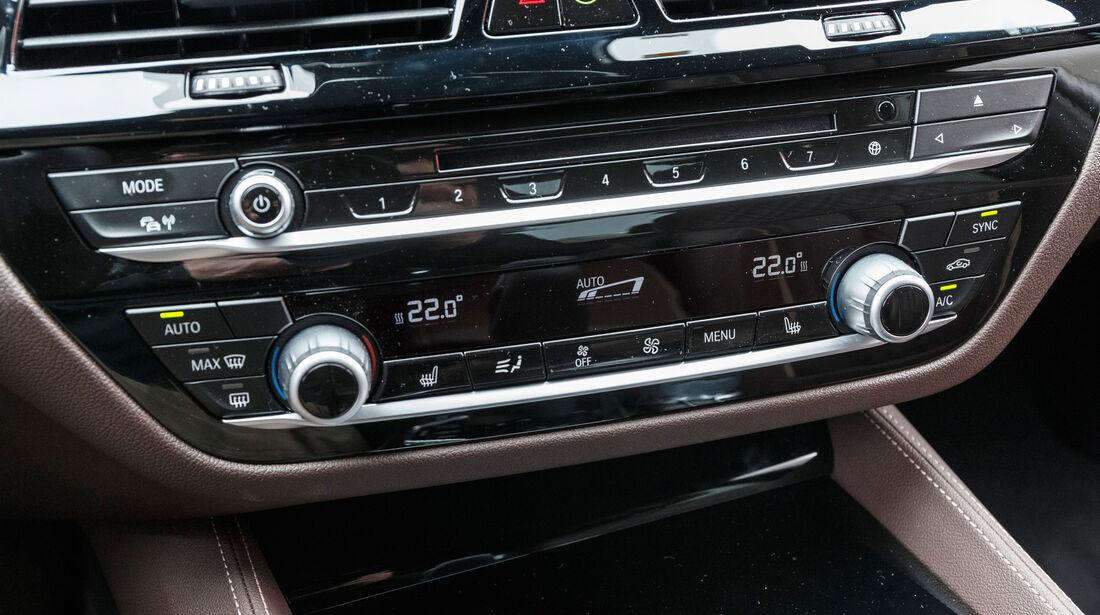 BMW 530d, Monitor, Infotainment