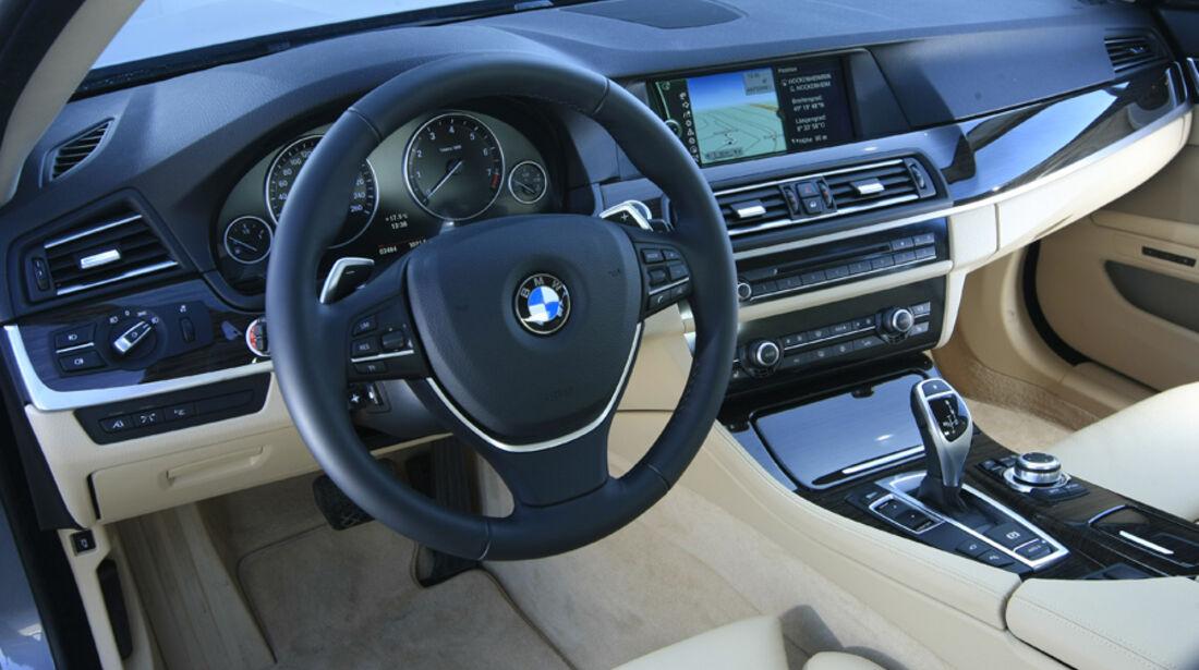 BMW 535i Cockpit