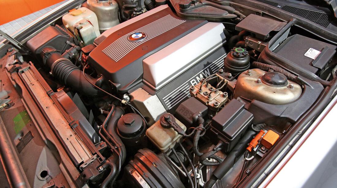 BMW 730i–750iL (E 32), V8/V12, Motor