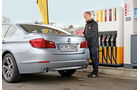 BMW Active Hybrid5, Tankstelle, Heck