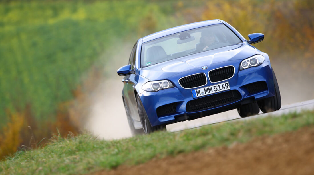 BMW M5, Front
