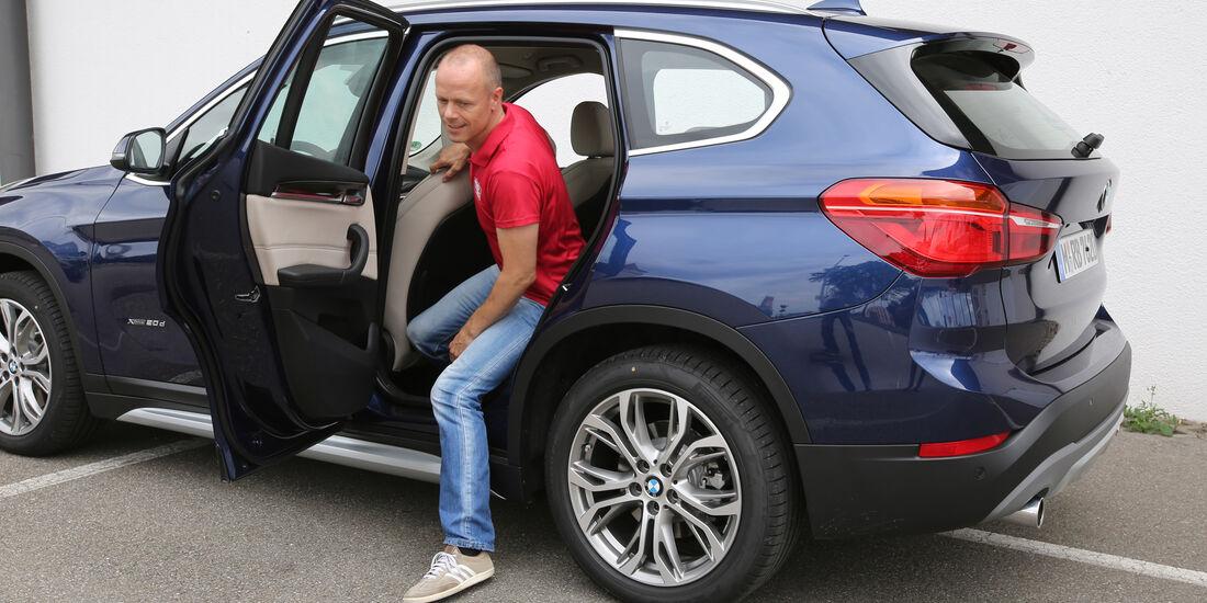 BMW X1 20d xDrive, Fond aussteigen